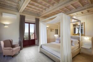 bedroom for mastermind Tuscany