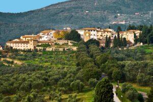 hills around mastermind location tenuta di artimino